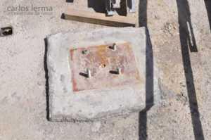 [412] Placa de anclaje de un pilar metálico
