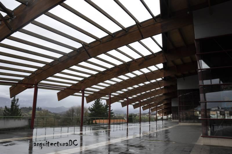 Cubierta arquitectura de cerca - Cubiertas de madera laminada ...