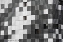 [676] Cerramiento con paneles bicolor